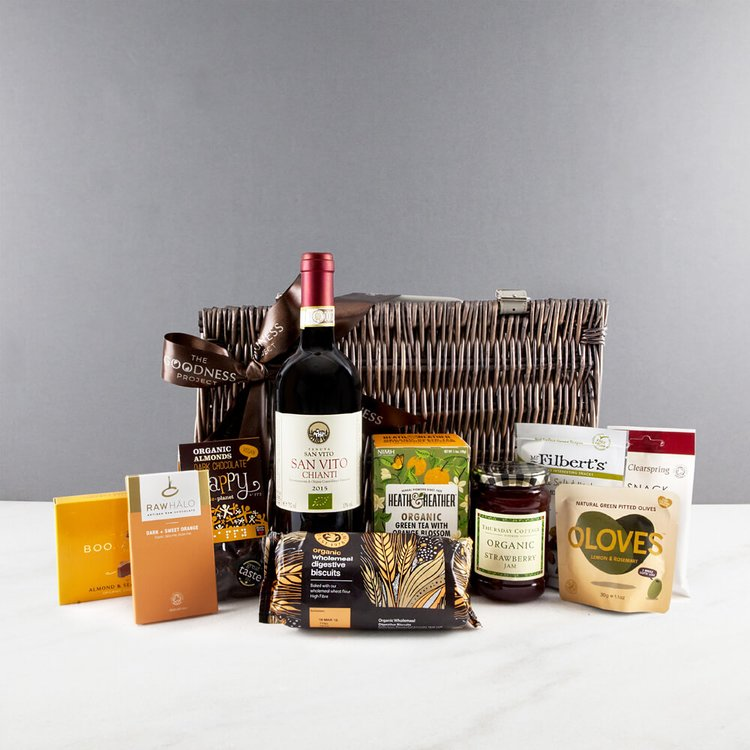 Organic Red Wine Wicker Vegan Gift Hamper Inc. Chianti Wine, Olives, Chocolate & Biscuits