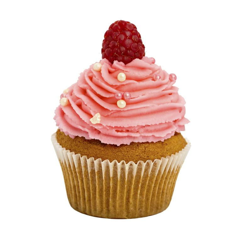 6 Raspberry Vegan Cupcakes with Buttercream