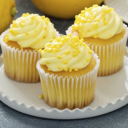 6 'Luscious' Lemon Vegan Cupcakes with Buttercream