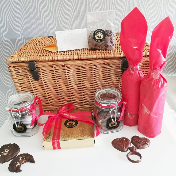 Vegan Chocolate, Cookie & Wine Gift Wicker Hamper with Red & White Wines
