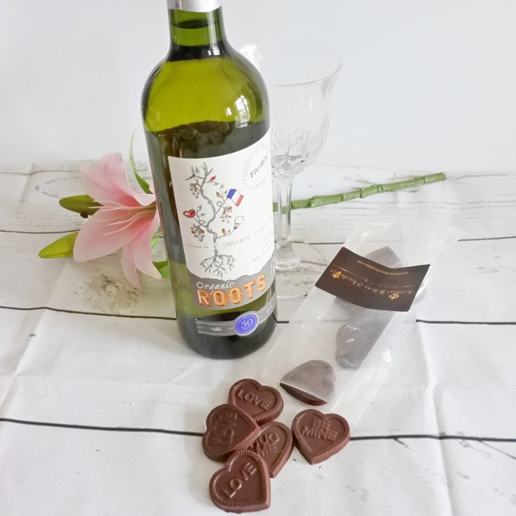 Vegan Milk Chocolate Love Hearts & White Wine Gift Set