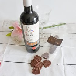 Vegan Milk Chocolate Love Hearts & Red Wine Gift Set
