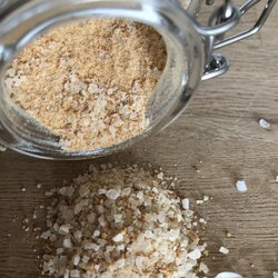 Smoked Garlic Sea Salt in Kilner Jar 80g