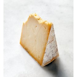 Montgomery Cheddar Cheese 1.5kg (Made in Somerset)