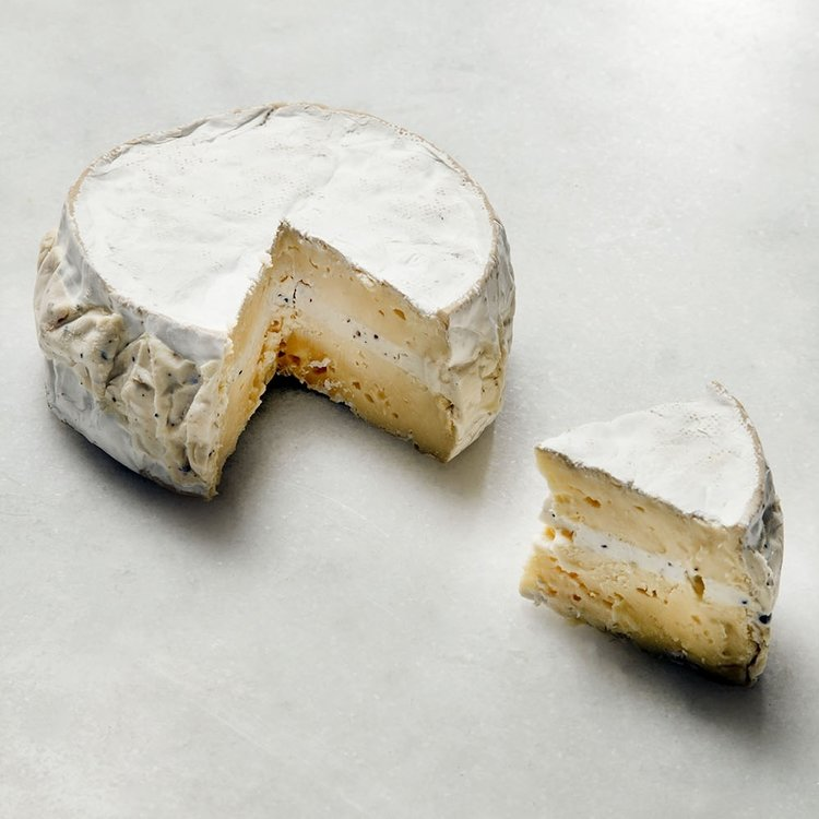 College White Cheese with Truffle 350g