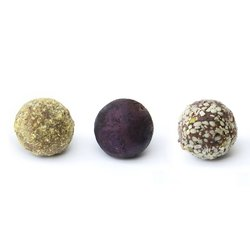 Organic Blueberry, Lemon & Hemp Seed Vegan Chocolate Truffles 45g