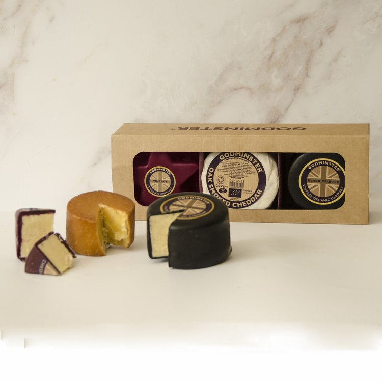 Star Shaped & Round Organic Cheddar Cheese Collection Gift Set Inc. Truffle, Vintage & Oak Smoked Cheddar