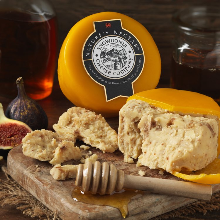 'Nature's Nectar' Mature Cheddar Cheese with Rum Marinated Figs & Honey 200g by Snowdonia Cheese Company