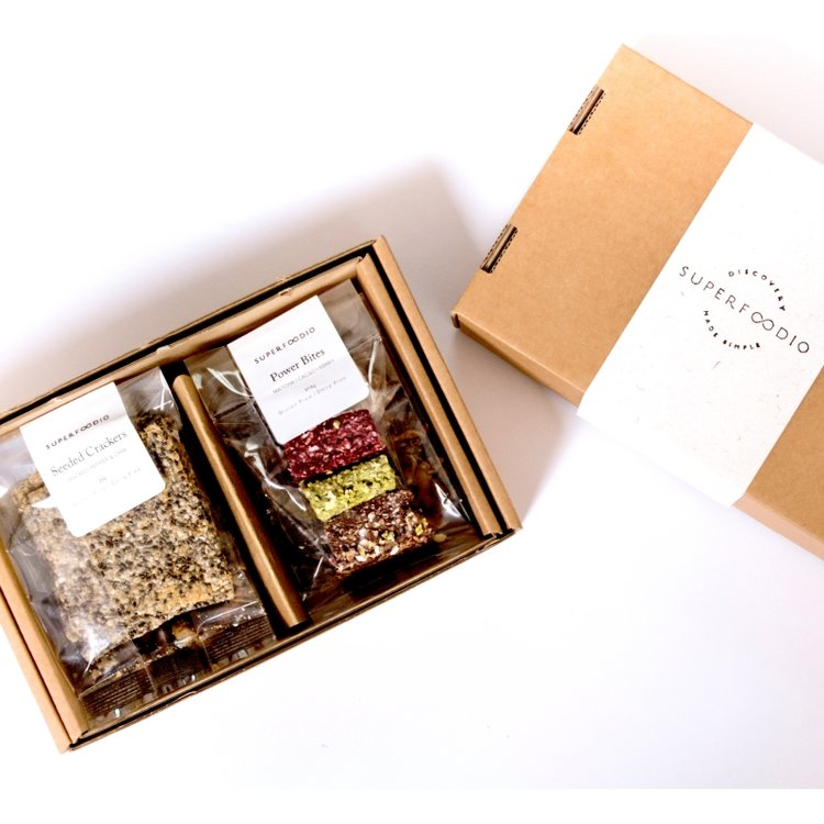 Gluten-Free & Dairy-Free Artisan Superfoods Snack Gift Box Inc. Chia, Matcha & Cacao 152g