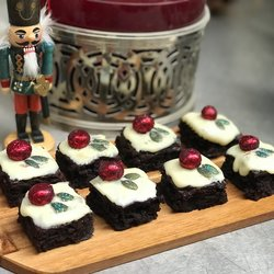 8 Vegan Christmas Pudding Chocolate Brownies (Gluten Free)