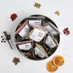 Gin Botanicals Set in Gift Tin With 7 Infusion Botanicals