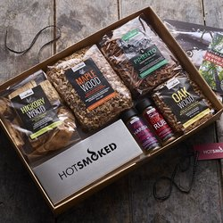 BBQ Smoking Adventures Gift Box With Maple & Hickory Wood Chips & Spice Blends (For BBQ or Smoker)
