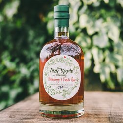 Strawberry & Vanilla Infused Rum Liqueur 500ml