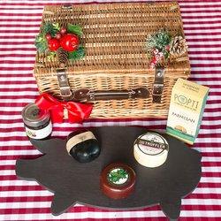 Artisan British Cheese Hamper Inc. Charcoal Cheddar, Truffle Brie, Christmas Pudding Cheddar & Crackers