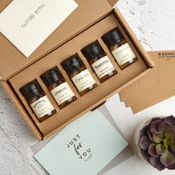 Whisky Tasting Set - Letterbox Gift with 5 Scotch Whisky Miniatures inc. Laphroaig, Lagavulin & Bunnahabhain