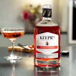 Keepr's Strawberry & Lavender Gin Infused with British Honey 70cl 37.5% ABV