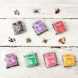 7 Loose Leaf Tea Gift Set with Novelty Tea Infuser