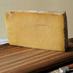 Paxtons Cave Aged Cheddar PDO 200g by Paxton & Whitfield