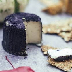 Truffle & Black Pepper Goat's Style Semi Soft Vegan Cheese 110g - Vegan Goats Cheese