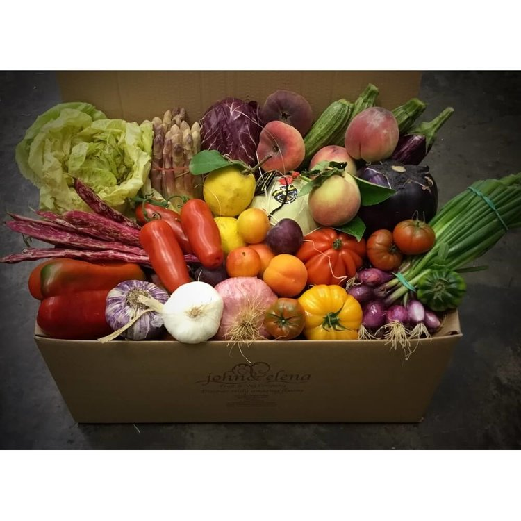 Continental Market Fresh Vegetable Box (Feeds 3-5)