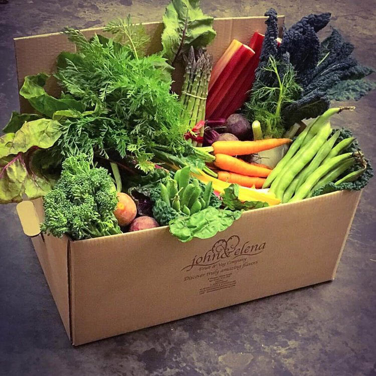 Garden of England Fresh Vegetable Box (Feeds 3-5)