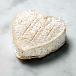 2 x Coeur de Neufchâtel Heart-Shaped Cheese AOP 200g