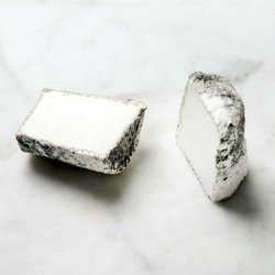 Dorstone Ashed Goats' Cheese 180g by Neal's Yard Creamery