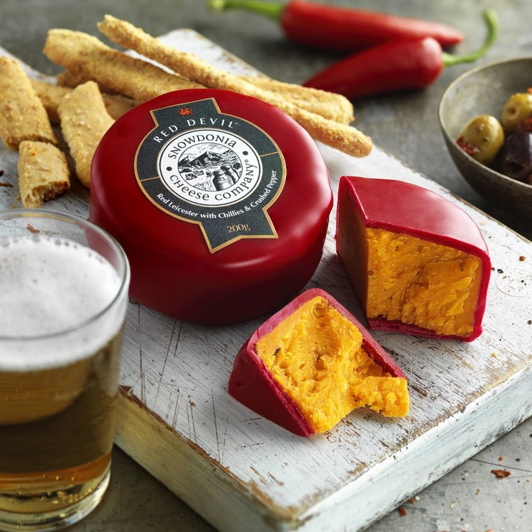 Red Devil 3 x 200g Red Leicester with Chilli & Pepper Snowdonia Cheese