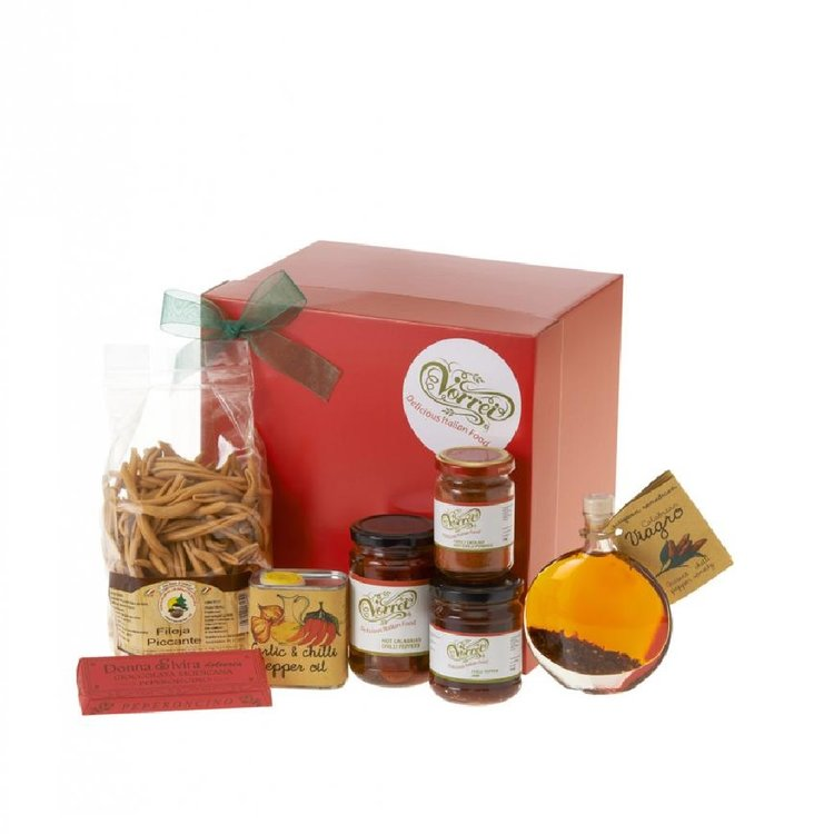 'Chillissima!' Italian Chilli Gift Box with Artisanal Pasta, Chocolate, Jam, Oil & More