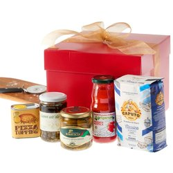 Italian Pizza Lovers Gift Box with Pizza Flour, Passata, Olives & More
