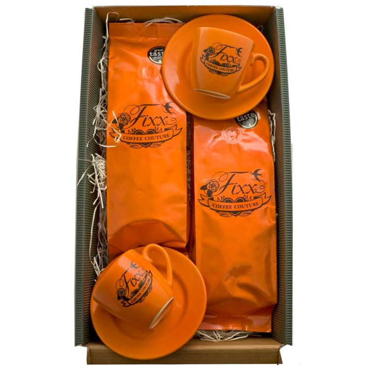 Fixx Espresso Gift Set with Coffee & 2 Cups with Saucers