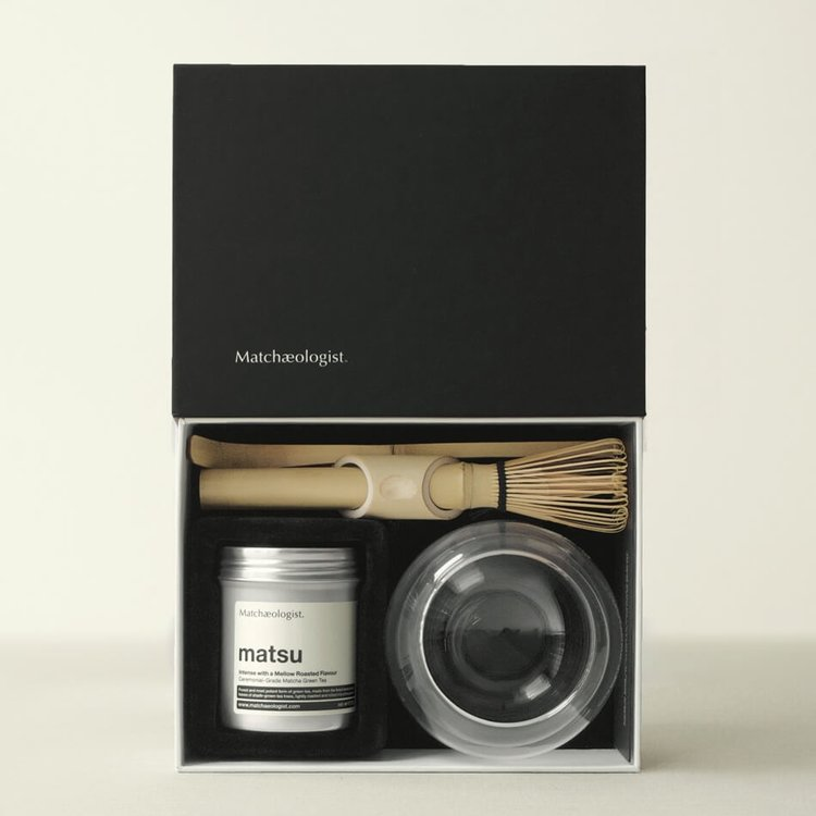 Luxury Matcha Green Tea Gift Set with Matcha Tea, Bowl, Spoon & Whisk
