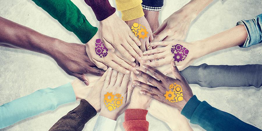 TheGivingMachine hands