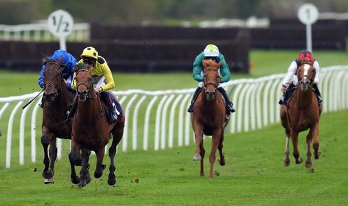 VIDEO: Copperless cashes in at Haydock