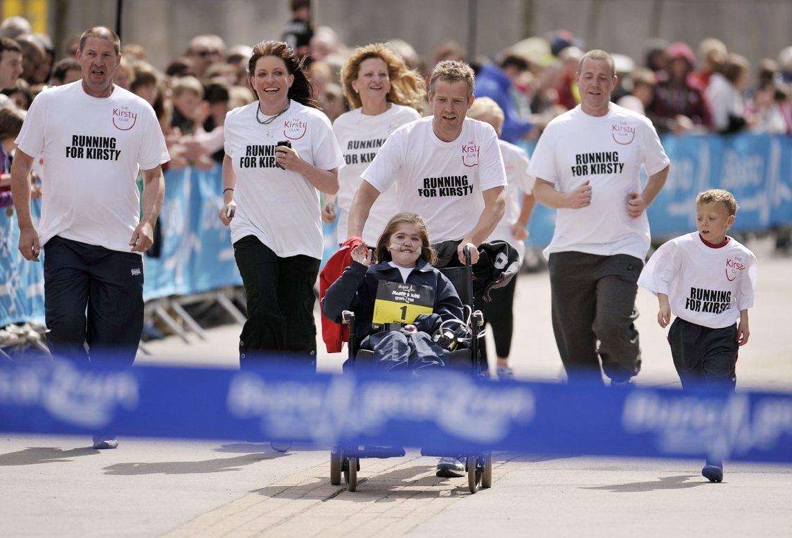 Kirsty great manchester run finish 2010 759kahai5