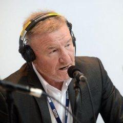 Patron Mike Sweeney