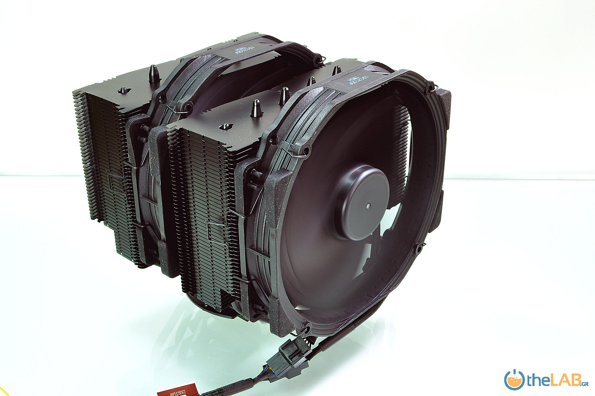 E-16_Noctua NH-D15 chromax.black_50_0403.jpg