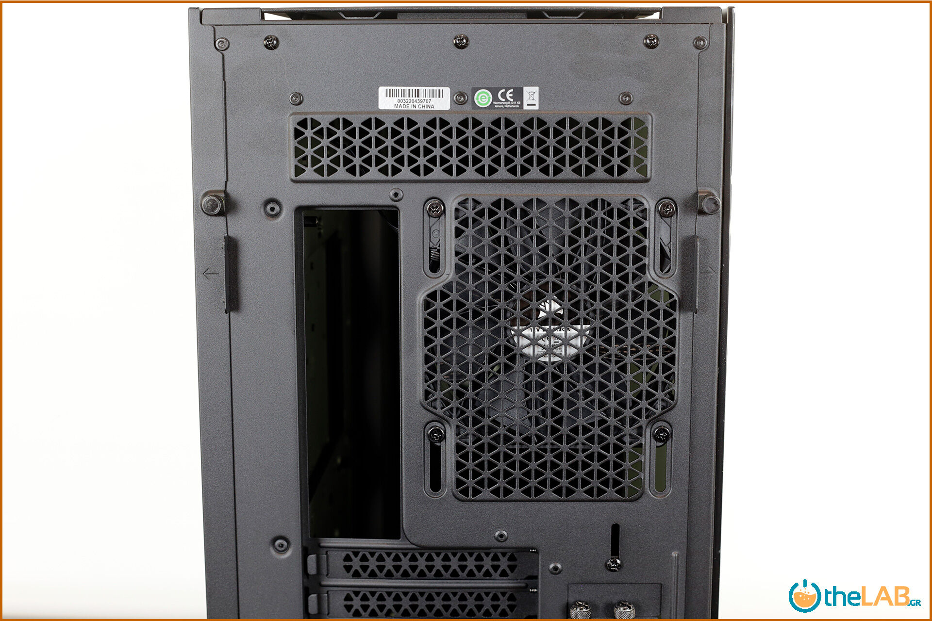 Corsair_icue_5000D__case_smart_exterior_interior_mid_tower_gaming_case_smart_review_image635.jpg