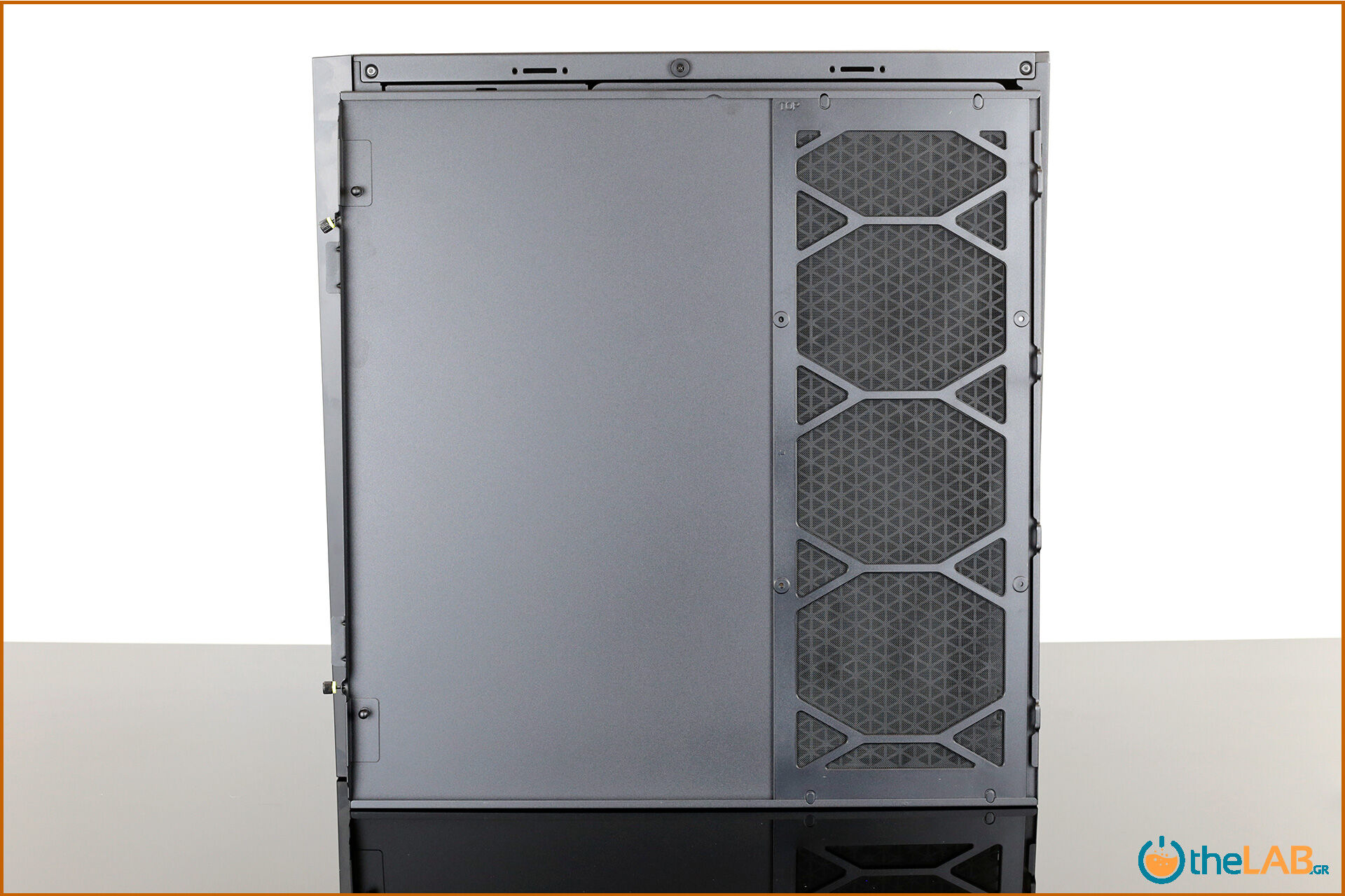 Corsair_icue_5000D__case_smart_exterior_interior_mid_tower_gaming_case_smart_review_image660.jpg
