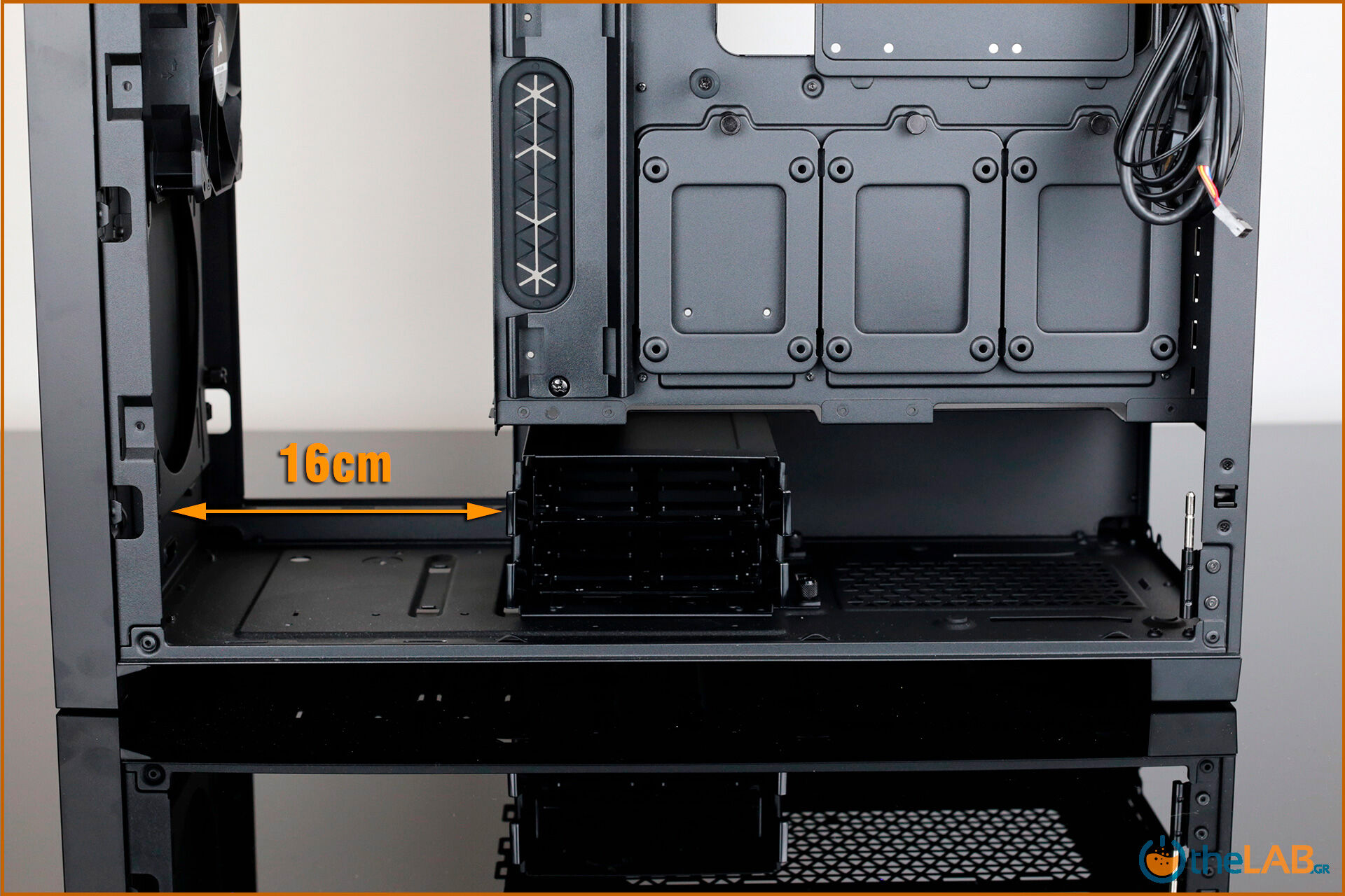 Corsair_icue_5000D__case_smart_exterior_interior_mid_tower_gaming_case_smart_review_image685.jpg