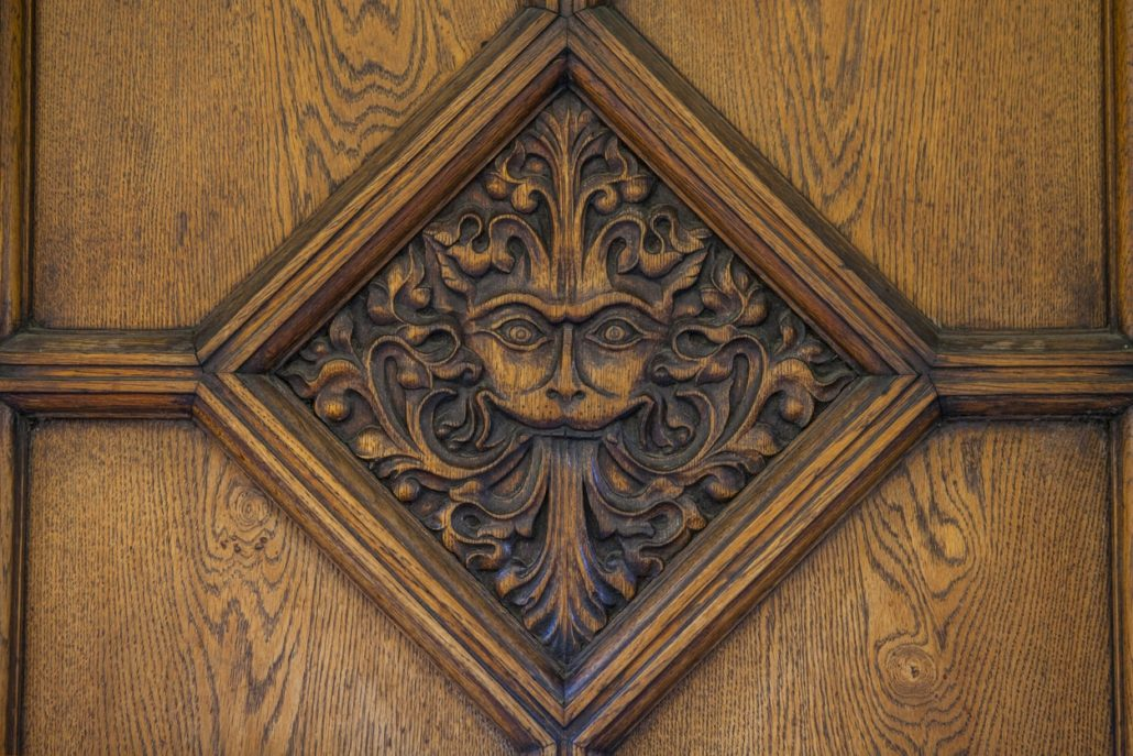 things to do in oxford - Narnia door