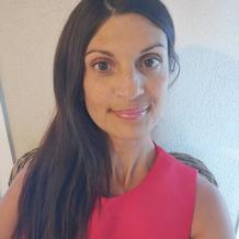 Sophie Giusti , Yoga à Septèmes Les Vallons, France