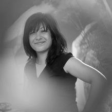 Linda Pakseresht , Hypnose à Igny, France