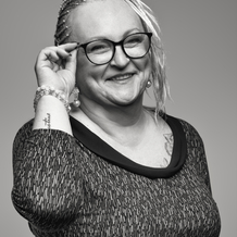 Zoe Sylvie Barlaguet , Hypnose à Nîmes, France