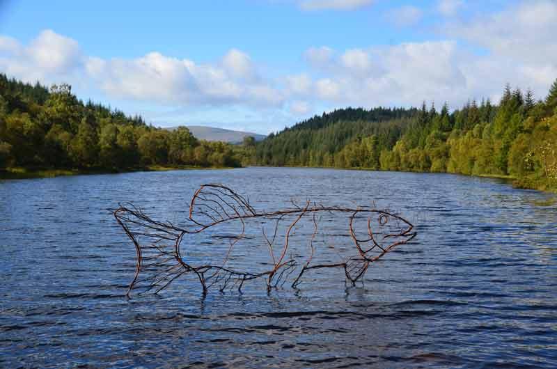 Salmon Sculptur ein Lochan Spling