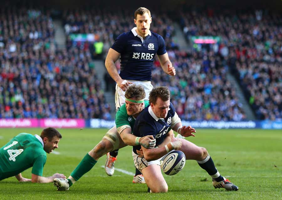 Jamie Heaslip prevents Stuart Hogg from scoring a try