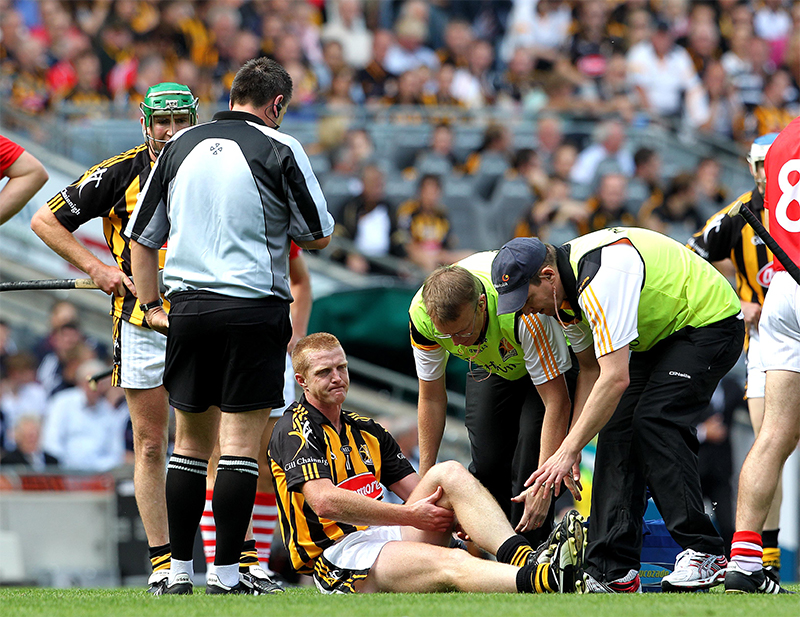 Henry Shefflin's Career 24/3/2015 GAA All Ireland Senior Hurling Championship Semi-Final 8/8/2010 Kilkenny vs Cork Kilkenny's Henry Shefflin receives attention for a knee injury Mandatory Credit ©INPHO/Lorraine O'Sullivan