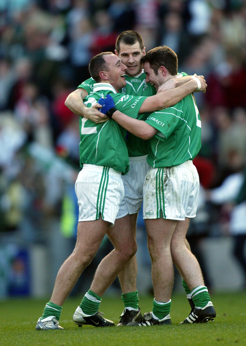 AIB All Ireland Club Football Final 17/3/2004 An Ghaeltacht vs Caltra Caltra players celebrate at the final whistle Mandatory Credit©INPHO/Lorraine O'Sullivan
