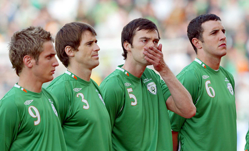 International Soccer Friendly 24/5/2006 Republic of Ireland (L-R) Kevin Doyle, Kevin Kilbane, Gary Breen and John O'Shea stand for The National Anthem Mandatory Credit ©INPHO/Donall Farmer