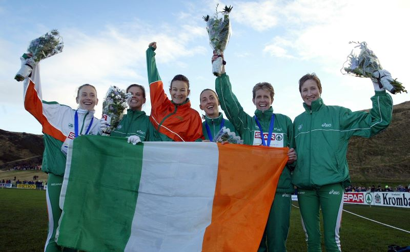 Marie Davenport, Jolene Byrne, Sonia O'Sullivan, Rosemary Ryan, Ann Keenan Buckley and Catherina McKiernan celebrate winning the team silver medal at the European Cross Country Championships, Edinburgh 2003